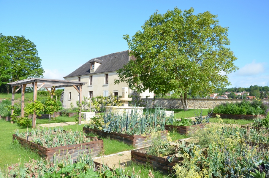 Le jardin riomet ch teau thierry for Piscine chateau thierry